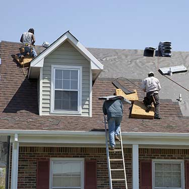 Metal Roof Cleaning   Roofing Contractors   Skagit County Washington